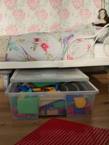 under the bed storage containers