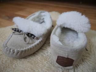 comfortable merino wool mocassins